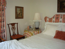 Comfortable English Country-House accommodations